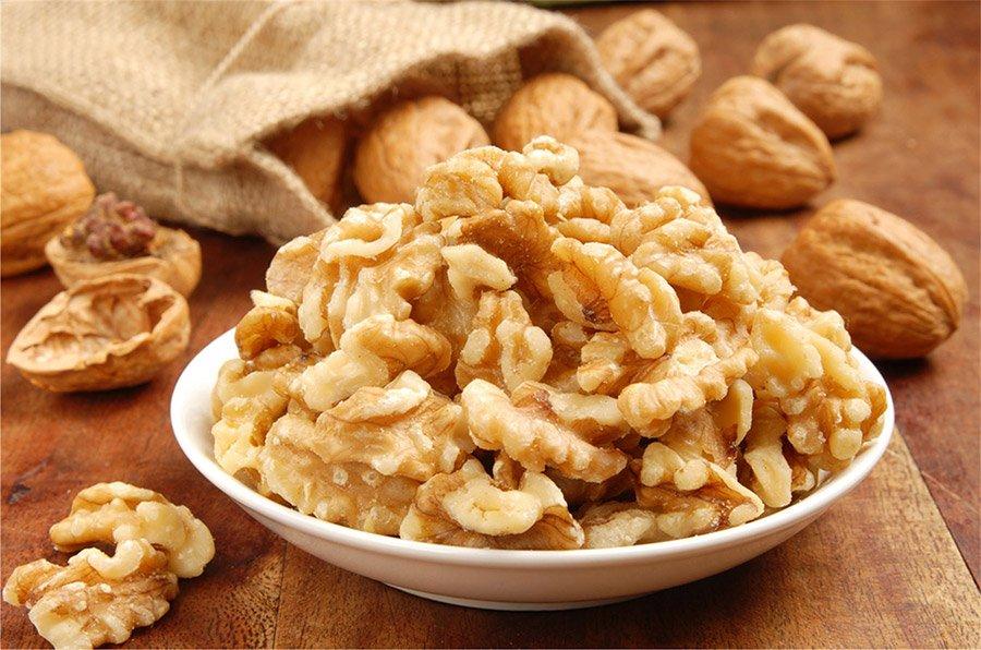 Внешний вид очищенного грецкого ореха